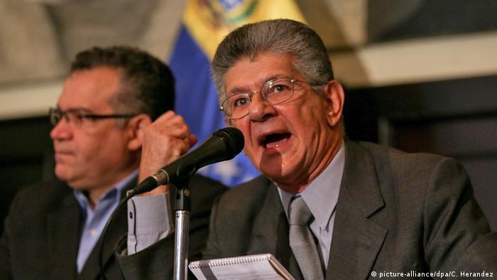 Venezuela Caracas Parlamentspräsident Henry Ramos Allup (picture-alliance/dpa/C. Herandez)