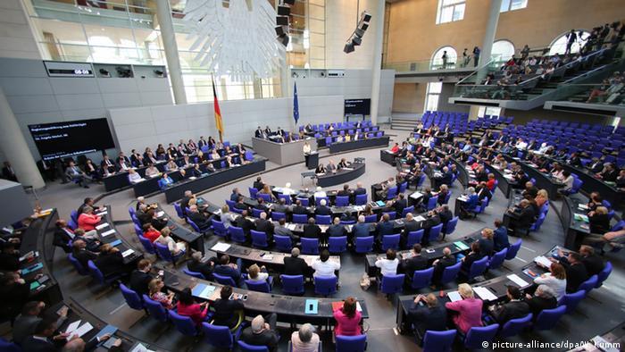 Deutschland Angela Merkel Regierungserklärung in Berlin