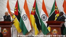July 7, 2016 India Prime Minister Narendra Modi attends a press briefing with Mozambique's President Filipe Jacinto Nyusi in Maputo, Mozambique, Thursday, July 7, 2016. India's prime minister has kicked off a four-nation African tour on a continent where China's presence has been strong, including countries that haven't been visited by an Indian leader in more than three decades. (AP Photo/Schalk van Zuydam) (c) picture-alliance/dpa/AP Photo/S. van Zuydam