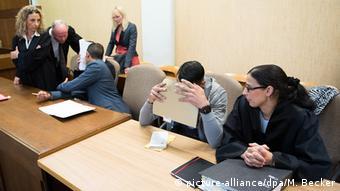Обвиняемый в нападениях в Кельне в зале суда, 2016 г.