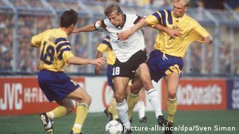 Fußball eM 1992 in Schweden , Schweden - Deutschland (picture-alliance/dpa/Sven Simon)