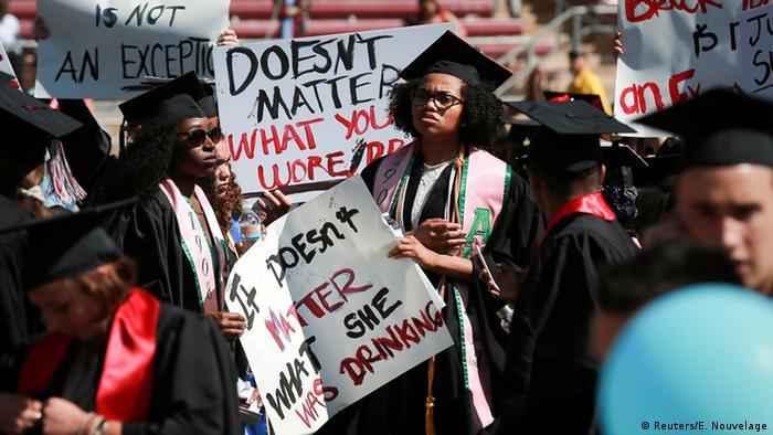 USA Kalifornien Stanford University - Protest gegen sexuelle Gewalt gegen Frauen
