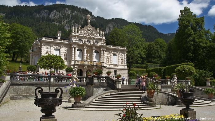 Germany Bavaria Linderhof Palace near Ettal (picture-alliance/dpa/K.-J. Hildenbrand)