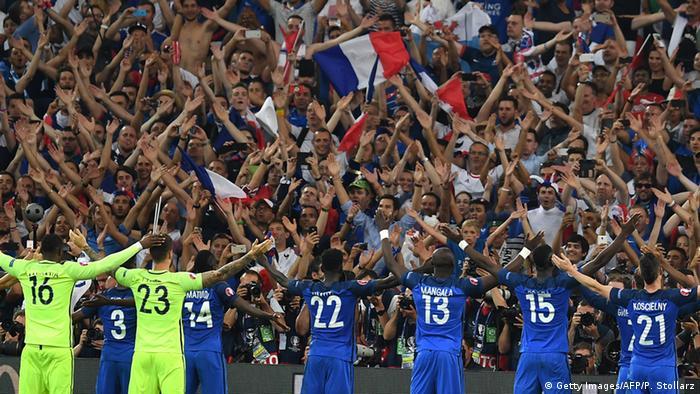 UEFA EURO 2016 Halbfinale Frankreich - Deutschland Fans (Getty Images/AFP/P. Stollarz)