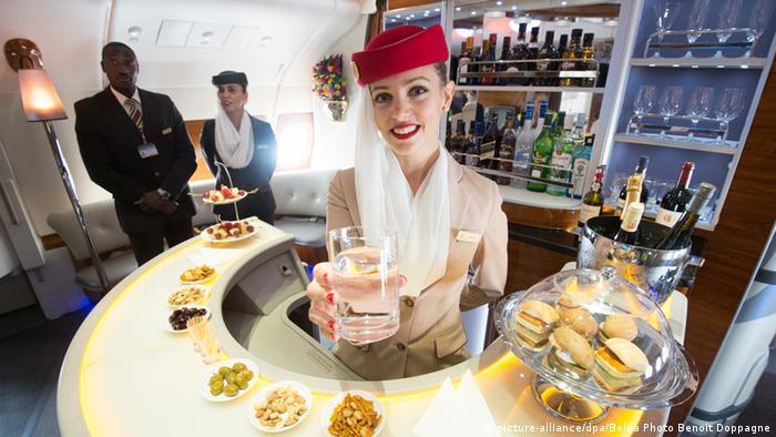 Стюардесса авиакомпании Emirates
