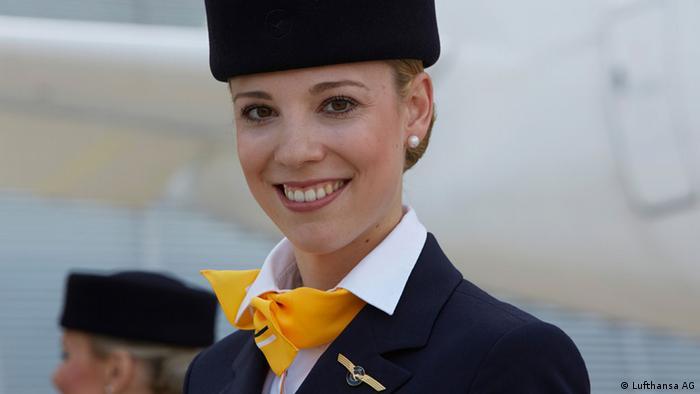 Стюардесса авиакомпании Lufthansa