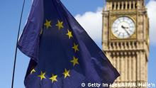 Großbritannien Europaflagge vor dem Big Ben in London (Getty Images/AFP/N. Halle'n)