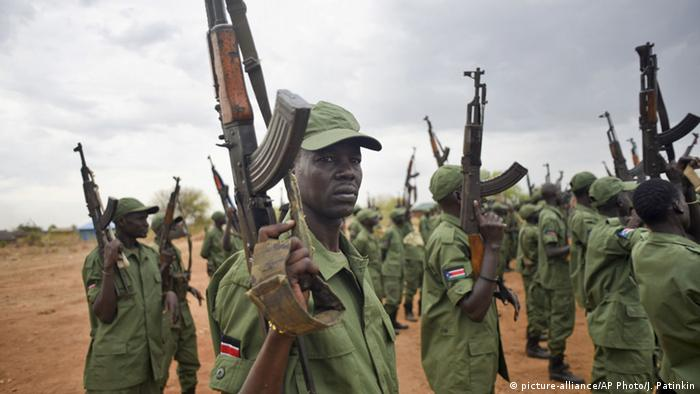 Südsudan Juba SPLA-IO Soldaten (picture-alliance/AP Photo/J. Patinkin)