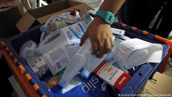 Colombians gathering medical supplies
