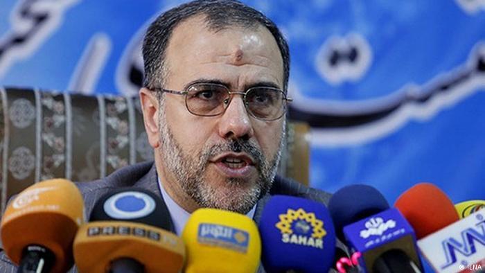 حسینعلی امیری، معاون پارلمانی حسن روحانی روند طرح سوال از رئیس جمهوری را غیرقانونی میداند