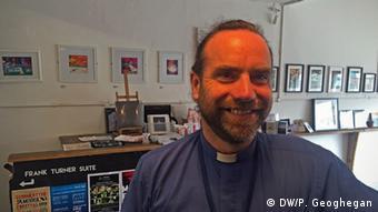 man in an office  copyright: Peter Geoghegan