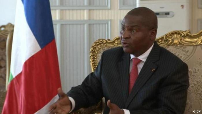 Videostill Präsident Touadera im Interview (DW)