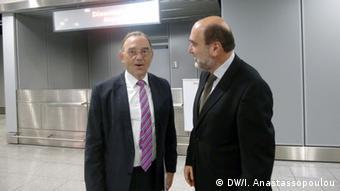 Θερμό καλοσώρισμα του κ. Αλεξιάδη και της ελληνικής αποστολής από τον υπουργό Οικονομικών της Β. Ρηνανίας-Βεστφαλίας Μπόργιανς