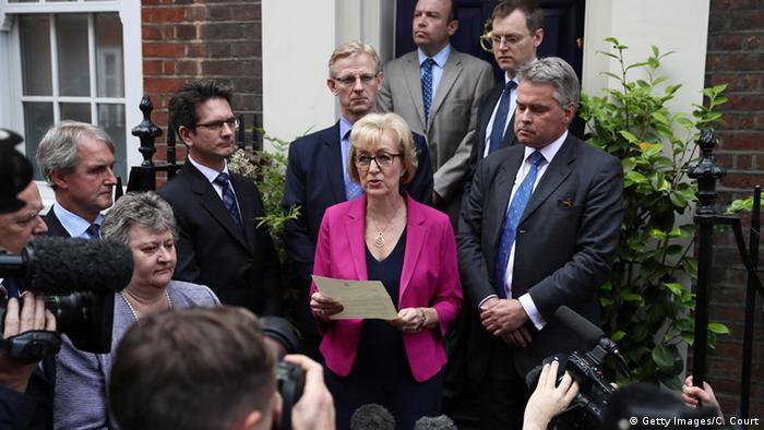 Andrea Leadsom, Muhafazakar parti başkanlığı yarışından çekildiğini açıklamıştı.