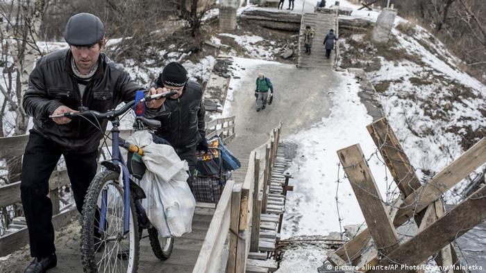 Міст через Сіверський Донець у Станиці Луганській - одне з найнебезпечніших місць