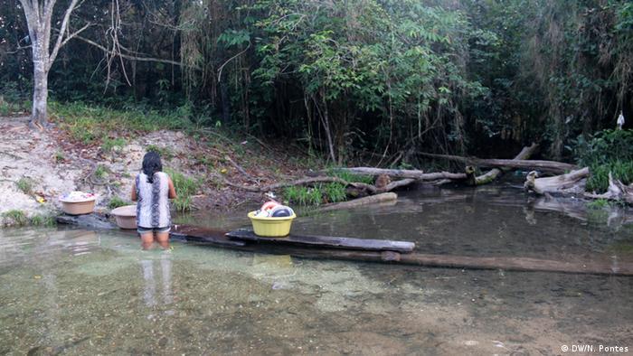 Brasilien Volkstamm Munduruku Alltag