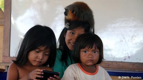 Munduruku children