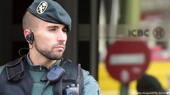 Spanien Guardia Civil (Getty Images/AFP/J. Sorianio)