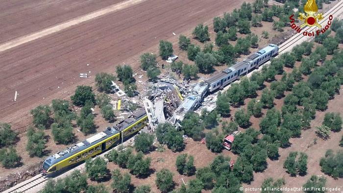 Italien Mehrere Tote nach Zusammenstoß von zwei Zügen