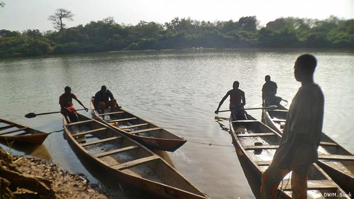 Canoes for tourists on the Uper Volta River