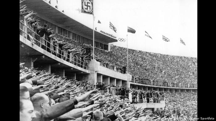 Opening ceremony at the 1936 Olympics in Berlin, Copyright: picture-alliance/Schirner Sportfoto