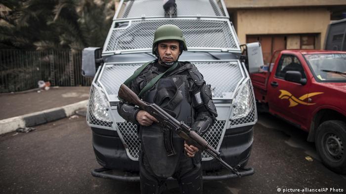 مصر: قتلى وجرحى في هجوم على حاجز أمني بالوادي الجديد