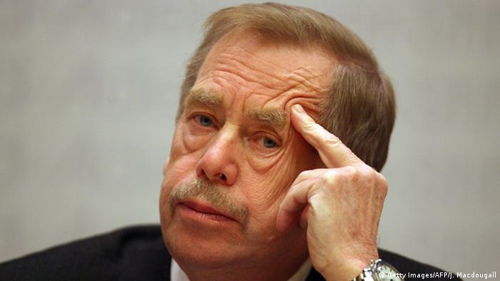 Deutschland Vaclav Havel in Berlin (Getty Images/AFP/J. Macdougall)