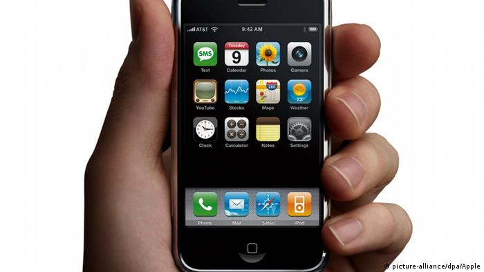 iPhone 2G von Apple 2007 (picture-alliance/dpa/Apple)