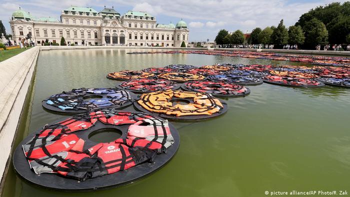 Österreich Ausstellung von Ai Weiwei im Park des Wiener Belvedere