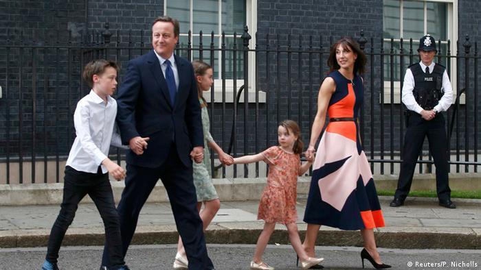 David Cameron and family (Photo: Reuters/P. Nicholls)