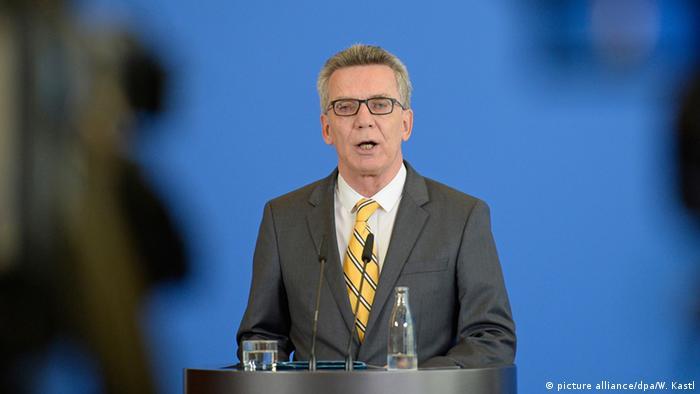 Deutschland Bundesweite Razzien gegen Hasskommentare Thomas de Maiziere