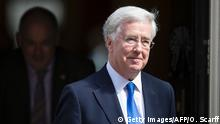 Großbritanien Kabinett May Michael Fallon