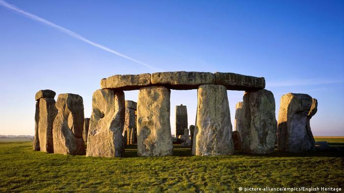 Blick auf Stonehenge (Foto: picture-alliance/empics/English Heritage)