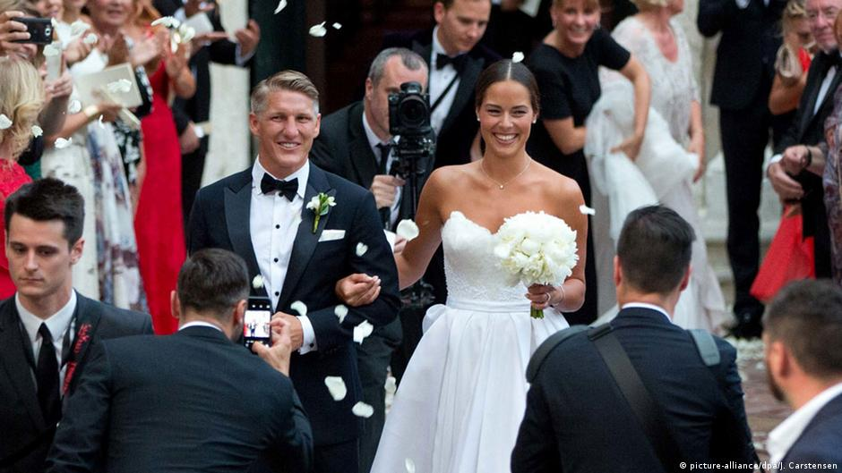 Die Hochzeit Von Bastian Schweinsteiger Und Ana Ivanovic Mr Mrs Love Aktuelles Dw 14 07 2016
