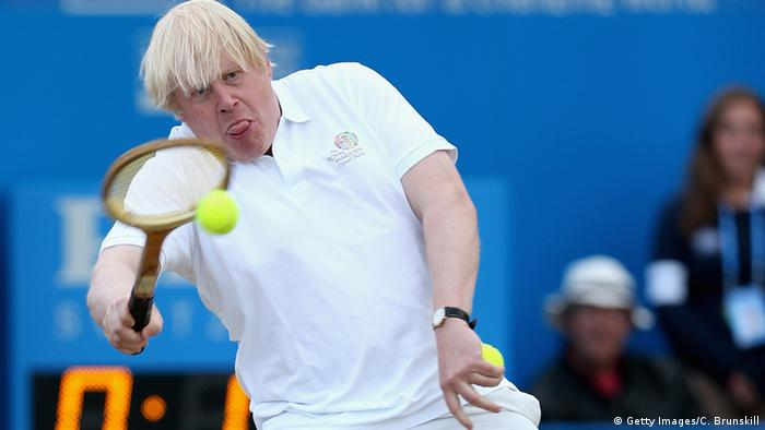 Boris Johnson spielt Tennis