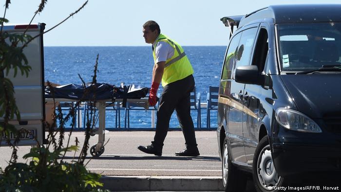 Vítima após atentado em Nice