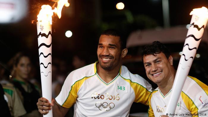 Städte-Tour des Olympischen Feuer in Brasilien Salvador
