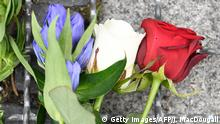 15.07.2016+++ Flowers in the colors of the French flag are laid down in front of the French Embassy in Berlin on July 15, 2016, after the deadly attacks in Nice. A man drove a truck into a crowd watching fireworks in the French Riviera city of Nice, killing at least 84 people. +++ (C) Getty Images/AFP/J. MacDougall