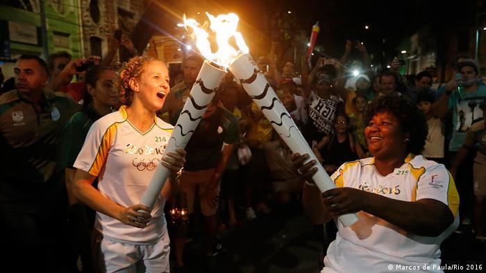 Städte-Tour des Olympischen Feuer in Brasilien Pernambuco