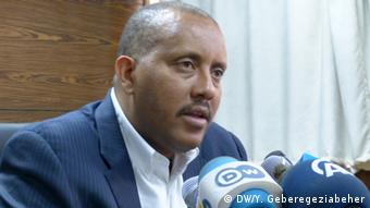 Äthiopien Getachew Reda in Addis Abeba (DW/Y. Geberegeziabeher)