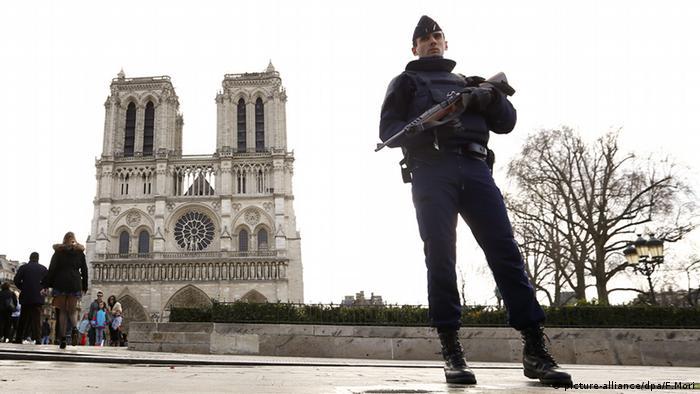 Frankreich Sicherheit Polizei Kontrolle