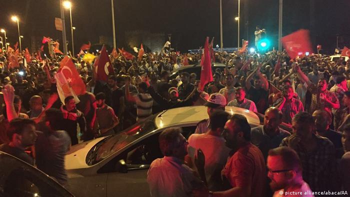 Türkei Putschversuch Unterstützer der türkischen Präsidenten Recep Tayyip Erdogan