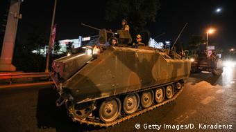 Demonstrationen nach Putschversuch in Türkei (foto: reuters)