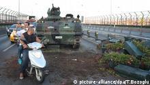 Türkei nach Putschversuch Panzer