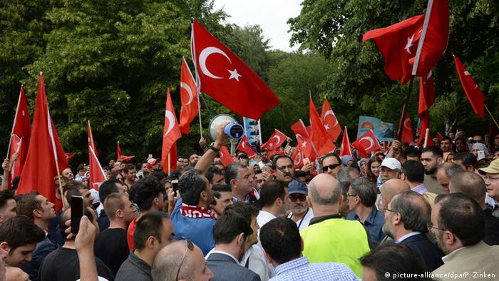 Protests against attemptted coup in Turkey in Berlin