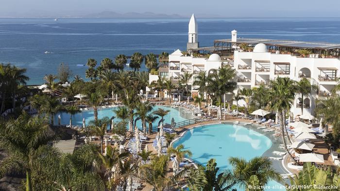 Lanzarote hotel compound