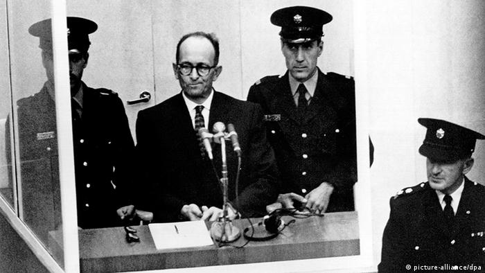 Adolf Eichmann podczas procesu w Izraelu (11.04.1961)