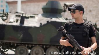 Überall in der Türkei sichern nach dem Putschversuch Polizeikräfte öffentliche Plätze (Foto: dpa)