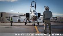 Arbeiten an einem Tornado der deutschen Luftwaffe in Incirlik