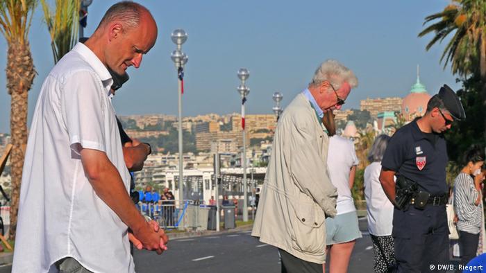 Minuto de silencio en Niza, al cierre de tres días de luto en Francia.